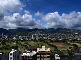 Mountain view block from the beach one bedroom apt - Honolulu vacation rentals