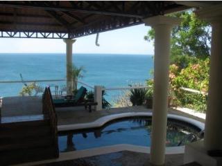 Clifftop, Oceanfront, Casa Privado - Tola vacation rentals