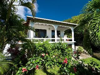 Lovely 2 bedroom Spring Bay Cottage with Deck - Spring Bay vacation rentals
