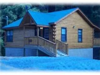 Cozy & Romantic Snuggle upAT Bear Country Hideaway - Gatlinburg vacation rentals