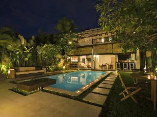 2 bedrooms Tropical Chill House, Umalas Bali - Seminyak vacation rentals