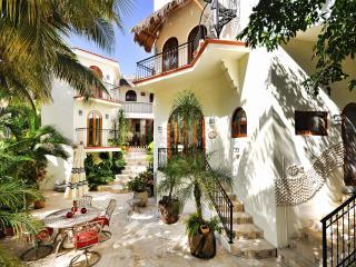 MAYAN VILLA ALCAZAR - Playa del Carmen vacation rentals