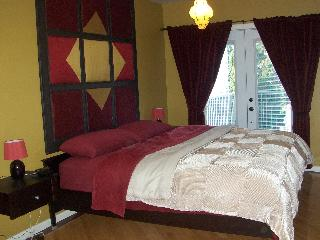 Gorgeous 2 bedroom gem near downtown - Montreal vacation rentals