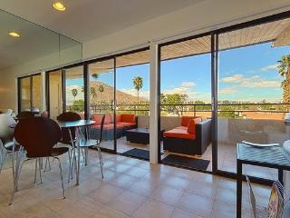 Palm Springs Vacation Rental Condo-Walk Everywhere - Palm Springs vacation rentals