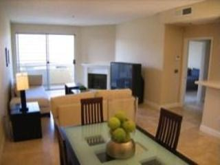 LOCATION LOCATION! West Hollywood Luxury Apartment - West Hollywood vacation rentals