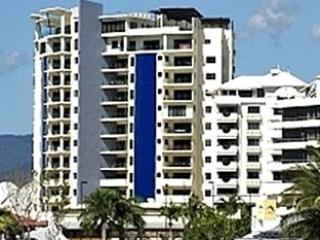 Facade - Jack & Newell 2Bed CBD Apartments with Water Views - Cairns - rentals