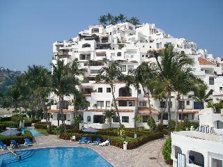 Puerto Las Hadas - Gorgeous Beach Front Condo $90 - Manzanillo vacation rentals