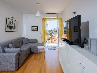 Cosy flat in a new building with parking in garage (Silvia's Gem) - Dubrovnik vacation rentals