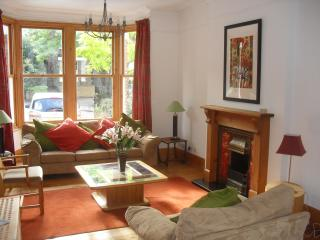 Spacious 4bed Greenwich London - Recent refurb - London vacation rentals