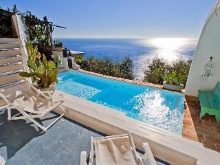 Gorgeous 4 bedroom Praiano Villa with Internet Access - Praiano vacation rentals