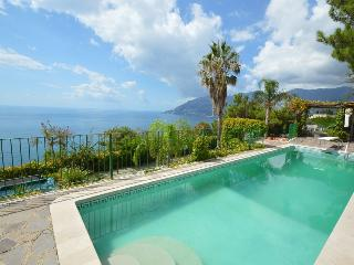 Comfortable 6 bedroom House in Maiori - Maiori vacation rentals
