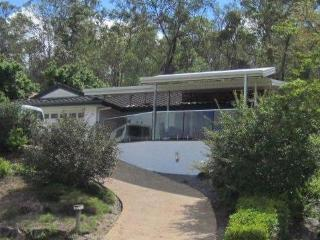 Large central 3br family home in The Gap - pets ok - Brisbane vacation rentals