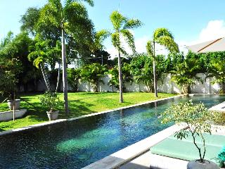 LUXURY MODERN VILLA 4br 800 mts to Canggu Club - Indonesia vacation rentals