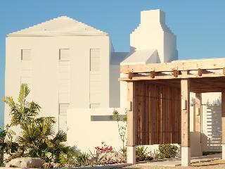 new 3 bedroom villa, pool. views, Grace Bay 5 mins - Providenciales vacation rentals