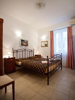 Nice Apartment with Dishwasher and Alarm Clock in Split - Split vacation rentals