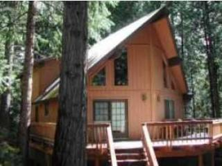 Dean Way Chalet - a spacious retreat in Arnold, CA - Gold Country vacation rentals