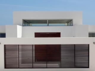 NEW Modern Villa with SPECTACULAR VIEWS! - World vacation rentals