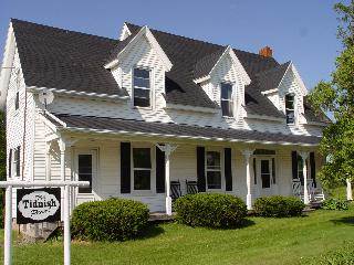 THE TIDNISH PEARL- GRAND HERITAGE NOVA SCOTIA HOME - Amherst vacation rentals