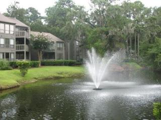 SeaPines-LighthouseTennis-KING BED-LagoonView - Hilton Head vacation rentals