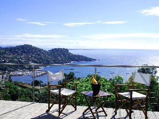 Lovely Villa, heated pool, dazzling sea views - Théoule sur Mer vacation rentals
