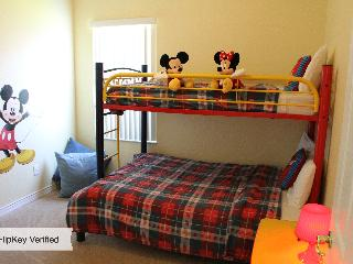 Bring Fido! Pets $109, Private Pool, 4 bd,Gameroom - Davenport vacation rentals