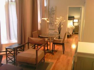 PRIME LOCATION! 1 bedroom Hotel Chic Style apt. - Montreal vacation rentals