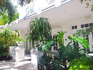 AMAZING 1bd in South Beach Art Deco with POOL - Miami Beach vacation rentals
