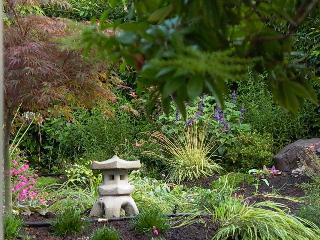 Heart of Multnomah Village - Southwest Portland - Portland vacation rentals