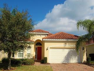 TUSCAN VILLA ESCAPE: 4 Bedroom Pool Home in Resort Community - Davenport vacation rentals