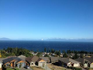 Great ocean view suite in North Nanaimo - Nanaimo vacation rentals