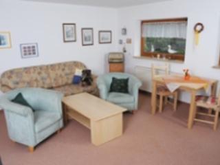 Vacation Apartment in Oberasbach - 377 sqft, quiet, central, modern (# 4941) - Zirndorf vacation rentals