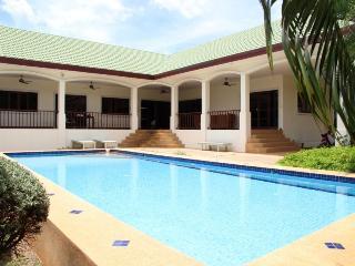 Villas for rent in Khao Tao: V5311 - Prachuap Khiri Khan Province vacation rentals