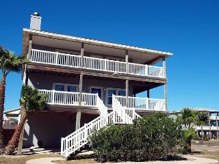 4 bedroom 3 bath home with water views and in town! - Port Aransas vacation rentals