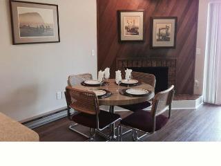 Cabana Club 102 - 1 Bedroom Condo - Birch Bay vacation rentals
