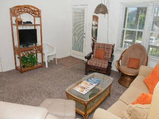Nice House with Internet Access and Linens Provided - Emerald Isle vacation rentals