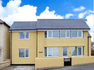 BRYN GOLEU, detached, upside down accommodation, off road parking, enclosed patios, in Moelfre Ref 904140 - Moelfre vacation rentals