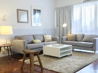 Guilin Theme - 4 Bedroom Apartment - Singapore vacation rentals