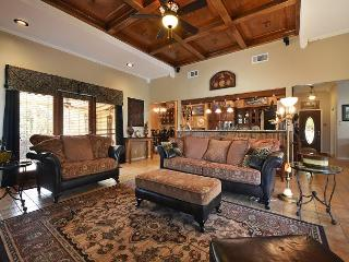 3BR/2BA Lakeway Golf Course Home Minutes From Lake Travis! - Lakeway vacation rentals