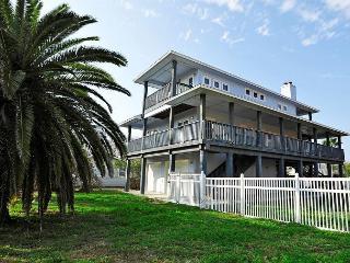 4BR/3.5BA Luxury 3-Story House Near the Beach! Sleeps 10 - Port Aransas vacation rentals