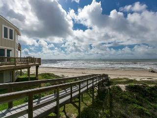 3BR/3BA Ocean Views and Boardwalk Access to the Beach! Winter Texans Welcome! - Port Aransas vacation rentals