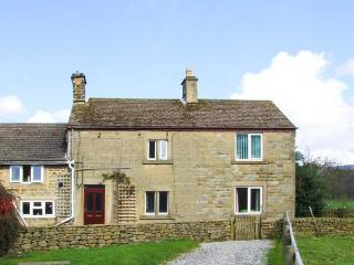 BROADHAY, country farmhouse, en-suite, lovely views, activities on farm, close Hathersage Ref 904834 - Hathersage vacation rentals