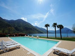 Porto Letizia Villa Giardino 2 - Porlezza vacation rentals