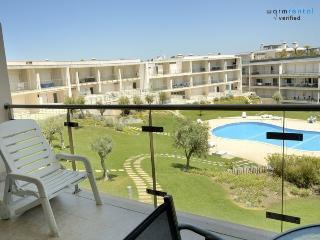 Grinding Apartment - Olhos de Agua vacation rentals