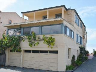 Enjoy the beach lifestyle of Del Mar in a historic ocean front vacation home - Del Mar vacation rentals
