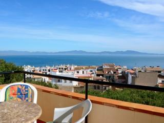 2 bedroom Apartment with Washing Machine in L'Escala - L'Escala vacation rentals