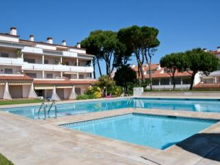 Cozy 2 bedroom L'Escala Condo with Shared Outdoor Pool - L'Escala vacation rentals