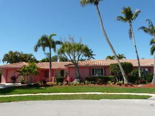 Boater's getaway w/ direct access to the Gulf of Mexico & hot tub - Marco Island vacation rentals