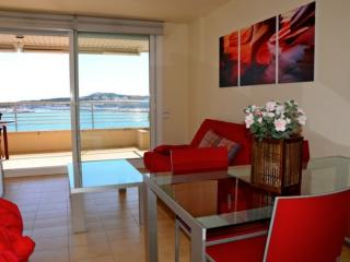 Nice Condo with Dishwasher and Garden - L'Escala vacation rentals
