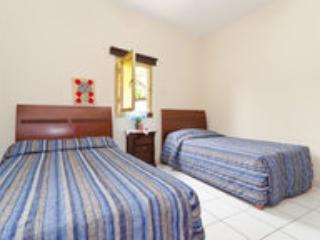 Room room with two single beds - Larnaca District vacation rentals