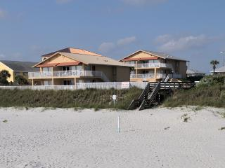 Oceanfront Ocean Beach Club, many dates available - New Smyrna Beach vacation rentals